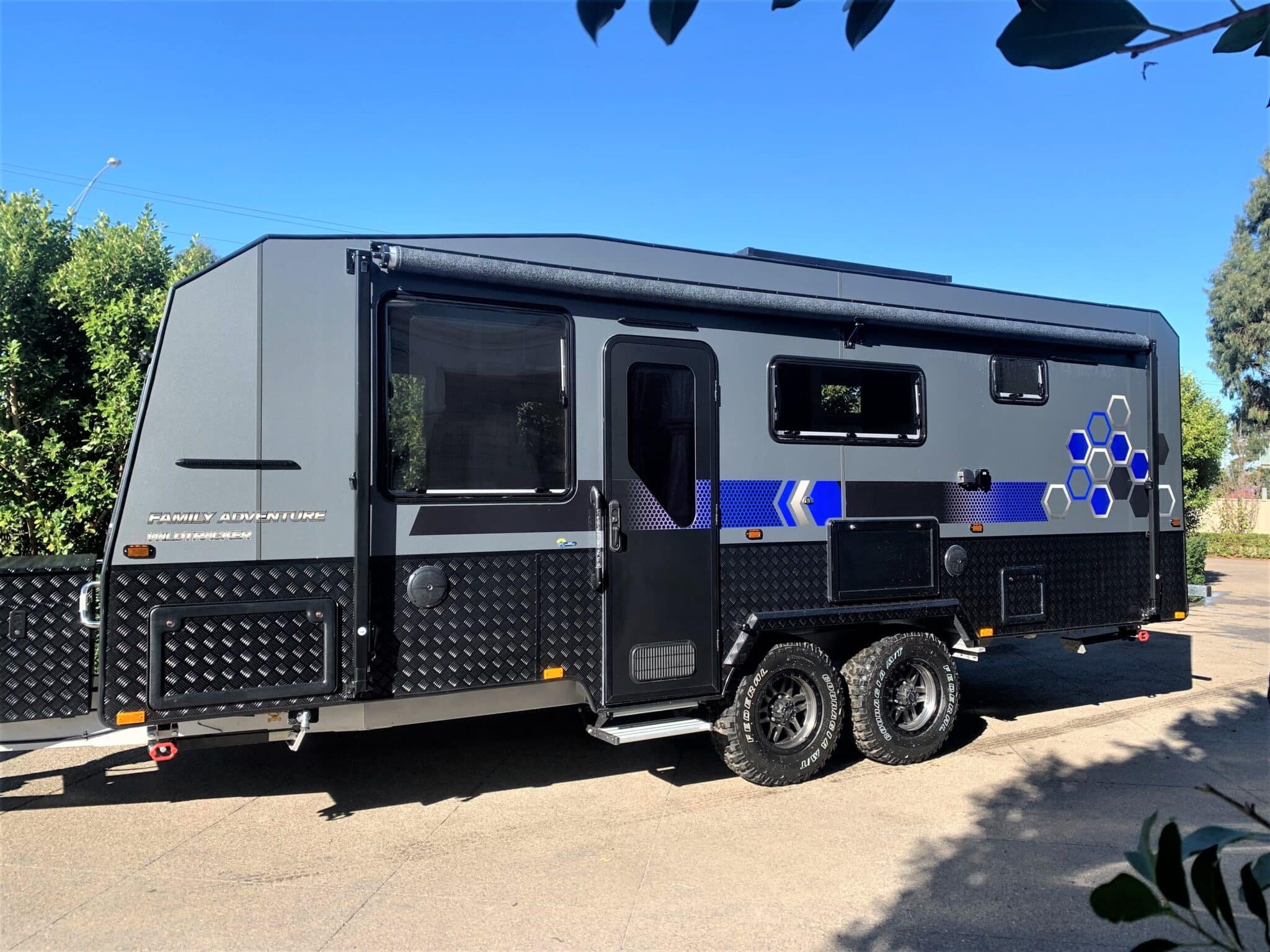 New in stock 2021 Malibu Family Wildtracker 21 ft Full Off Road 4 berth shower and toilet Family double bunk caravan