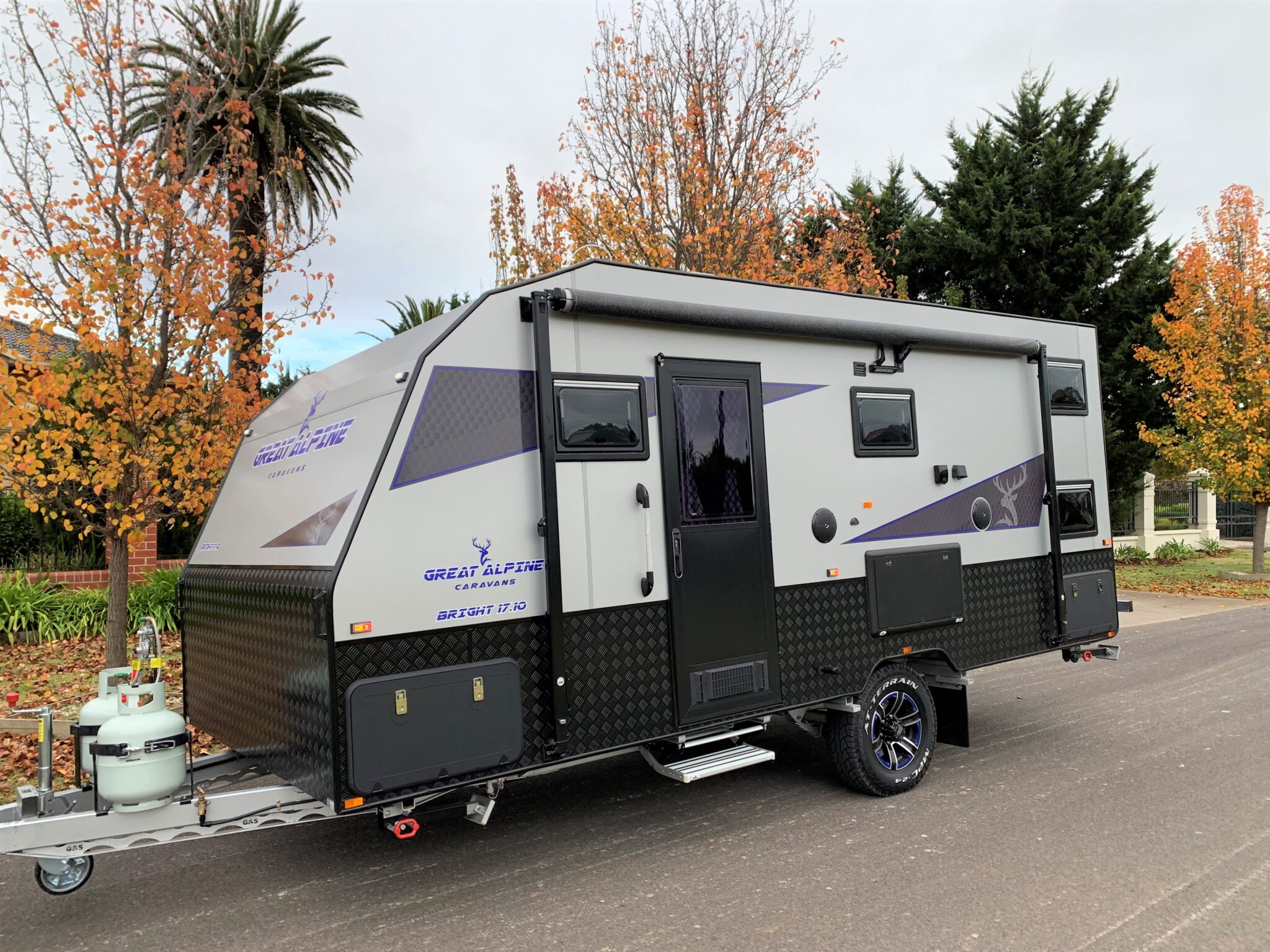 IN STOCK Brand New 2021 Great Alpine-Bright family bunk 17.10ft with full ensuite
