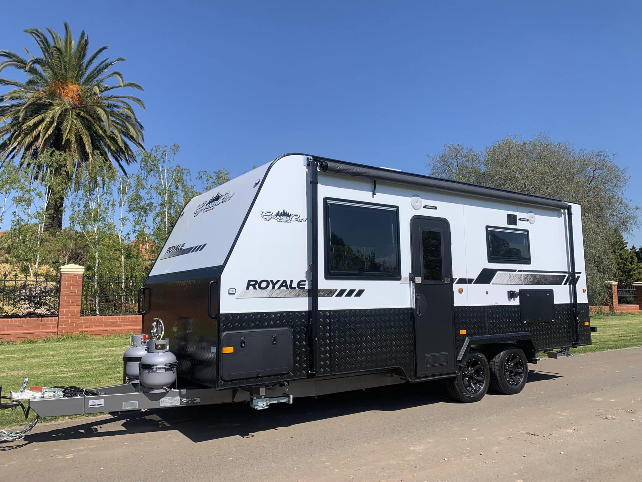 2021 NEW IN STOCK GRAND CITY 19.6ft ROYALE 2 BERTH