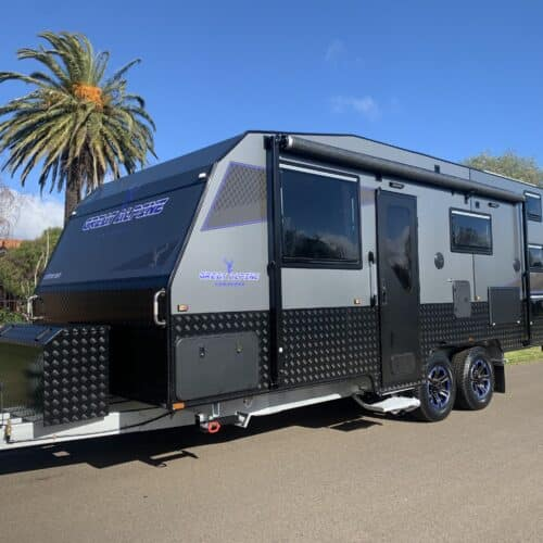 Great Alpine Semi Off Road 3 bunk family with full en-suite
